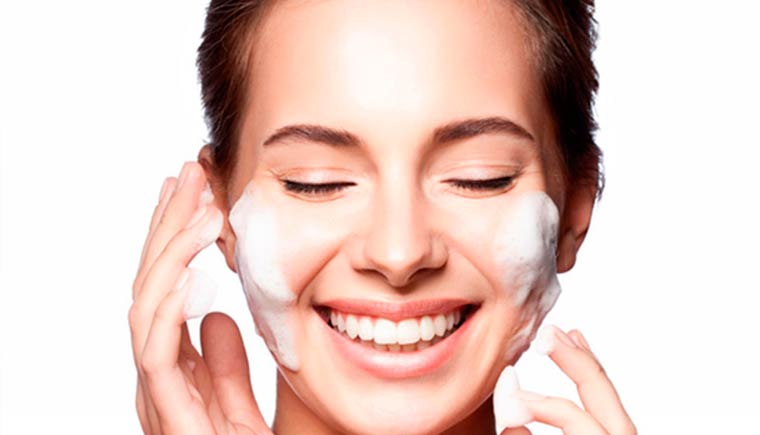 Tratamiento de higiene facial personalizada